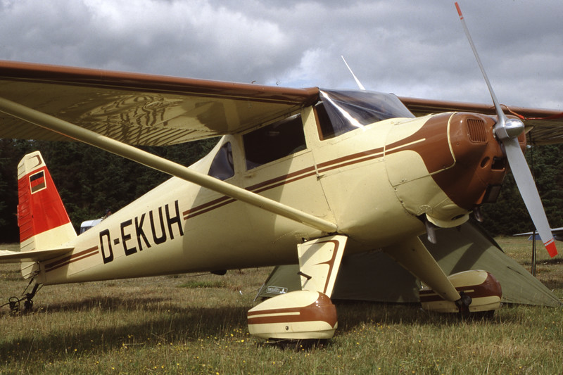 D-EKUH-Luscombe8FSilvaire-Private-EKVJ-1998-06-13-FB-48-KBVPCollection.jpg