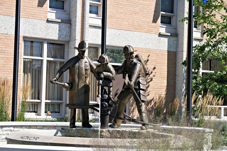CEDARBURG MONUMENT 1.JPG