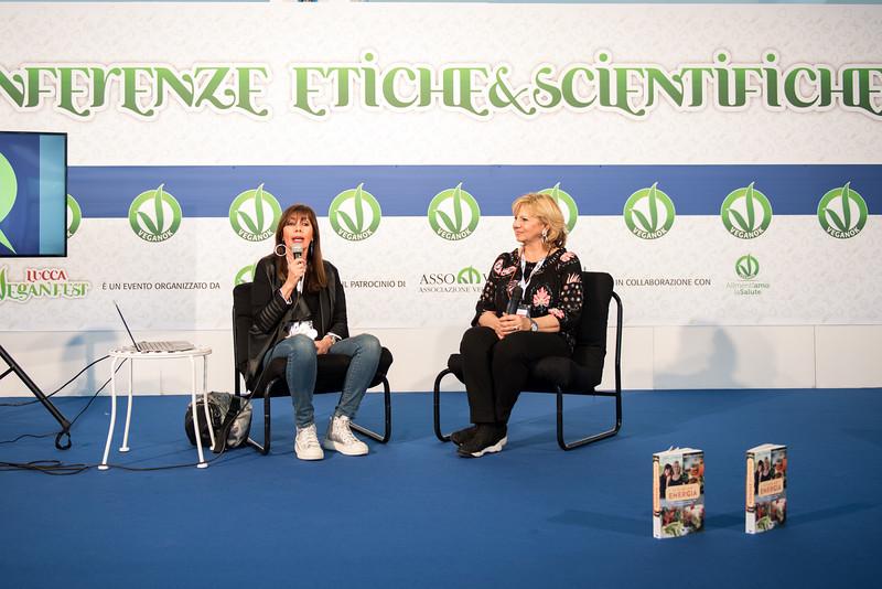 lucca-veganfest-conferenze-e-piazzetta-004.jpg