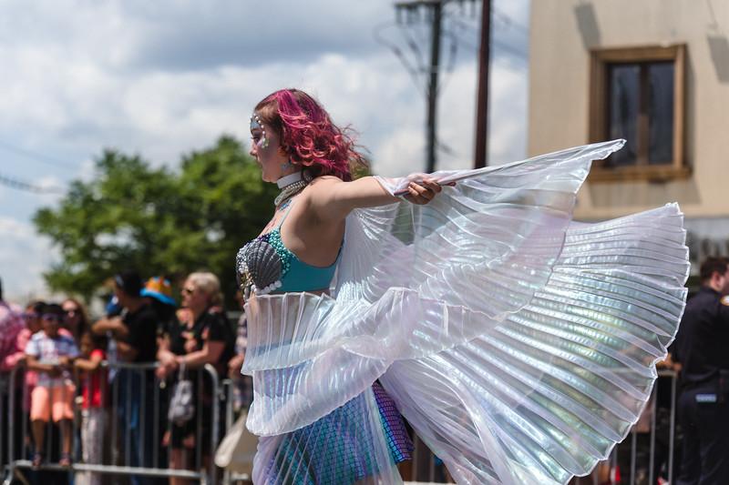 2019-06-22_Mermaid_Parade_1895.jpg
