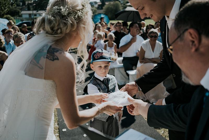 Tu-Nguyen-Wedding-Hochzeitsfotograf-Hochzeitsreportage-Neuwied-Bonn-Koblenz-Jan-Jessica-76.jpg