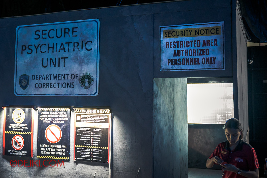 Halloween Horror Nights 7 - INSIDE THE MIND haunted house Secure Psychiatric Unit