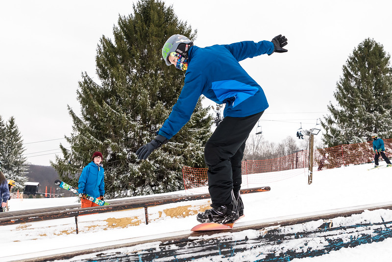 Mid-Season-Party_2017_Snow-Trails-9671.jpg
