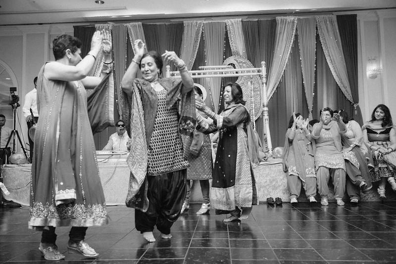 Le Cape Weddings - Karthik and Megan BW-10.jpg