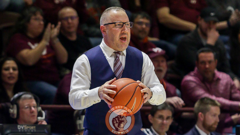 Head coach Buzz Williams holds onto a loose ball that went out of bounds in the second half. (Mark Umansky/TheKeyPlay.com)