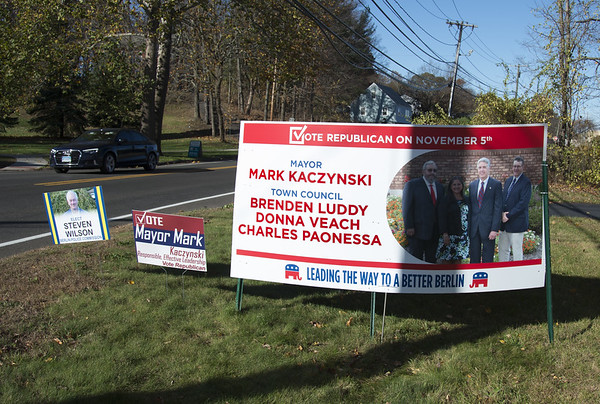 CampaignSigns-be-110219-1