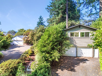 30 Country Club Dr SW, Lakewood