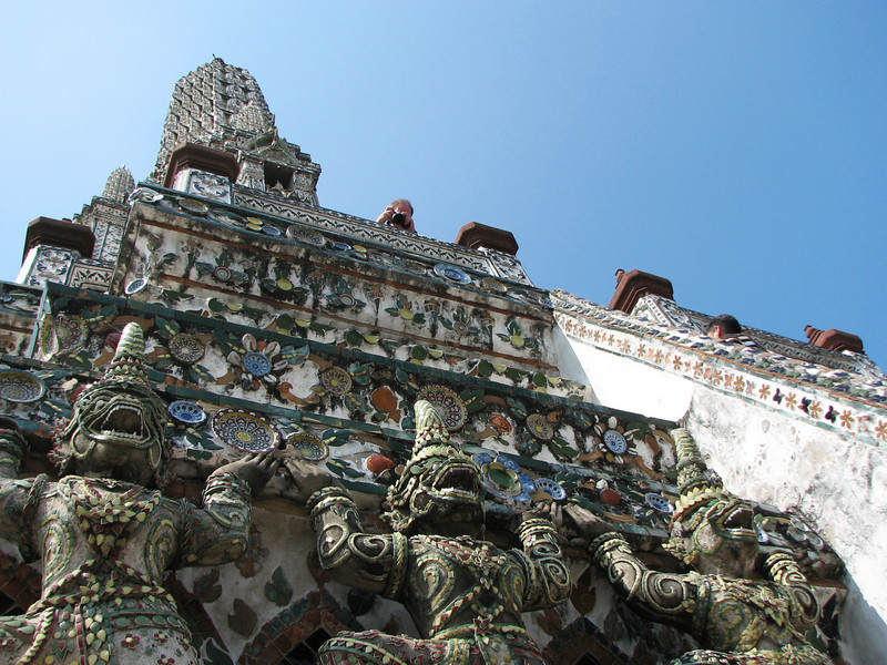 Wat Arun - brave Larry taking photo from on high