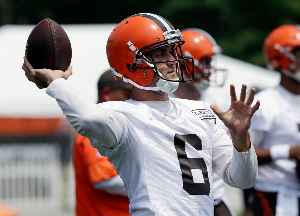 . Cleveland Browns quarterback Cody Kessler throws during practice at the NFL football team\'s training camp facility, Thursday, July 27, 2017, in Berea, Ohio. (AP Photo/Tony Dejak)