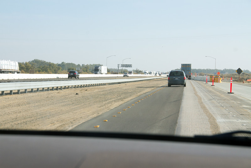 Funny split of southbound lanes during construction