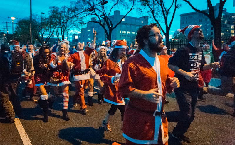 Running with Santa Philadelphia 12-12-2015-3370.jpg