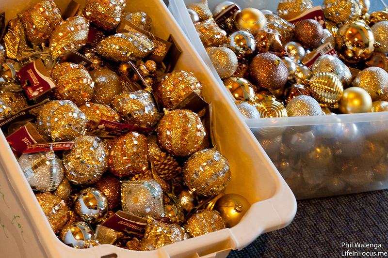 20121217 KofC Christmas Tree Setup-6259.jpg