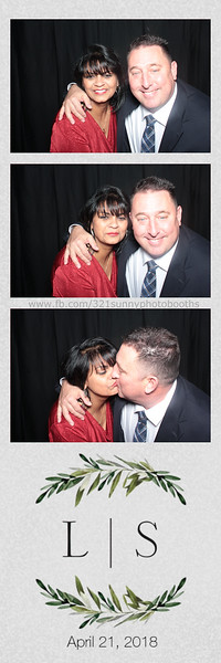ELP0421 Lauren & Stephen wedding photobooth 31.jpg