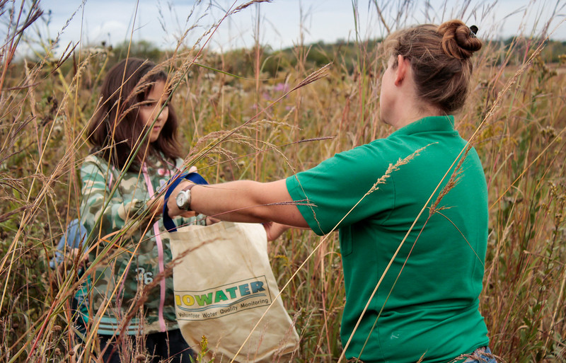 DA047,DJ,Collecting Native Prairie Seeds at Hurstville Interpretive Center.jpg