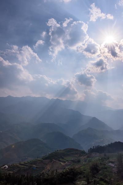 Sapa Rice Terraces Sun Beams_DSC1014.jpg