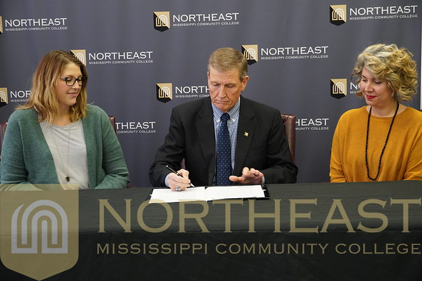 2019-11-04 HONORS Honors Institute Signs MOU with The W