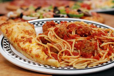 Incredible Pizza Company 06/11/07 FOOD