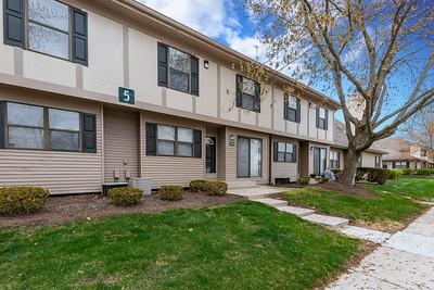 24851 Auburn Ln,  Southfield, MI