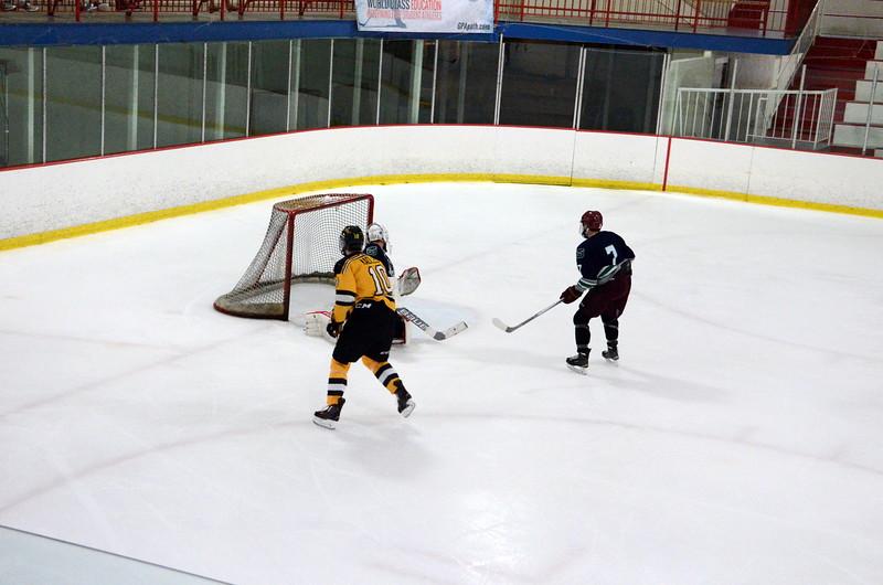 150907 Jr. Bruins vs. Whalers-049.JPG