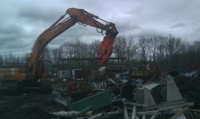 NPK M35K demolition shear on Doosan excavator-C&D recycling (3).jpg