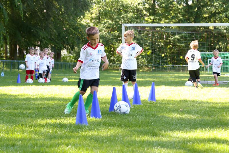 hsv_fussballschule-111_48048030132_o.jpg