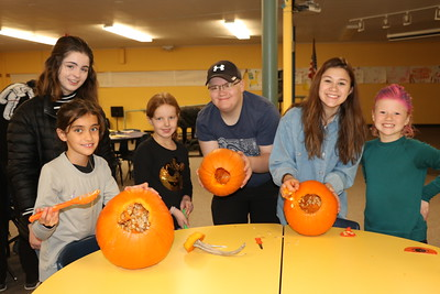 LS-US 3rd-Spanish Pumpkin Carving 10-31-19