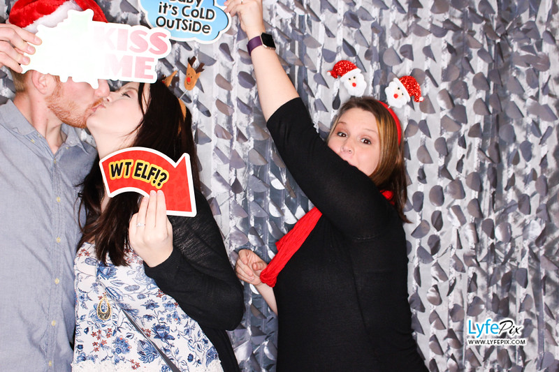 red-hawk-2017-holiday-party-beltsville-maryland-sheraton-photo-booth-0165.jpg