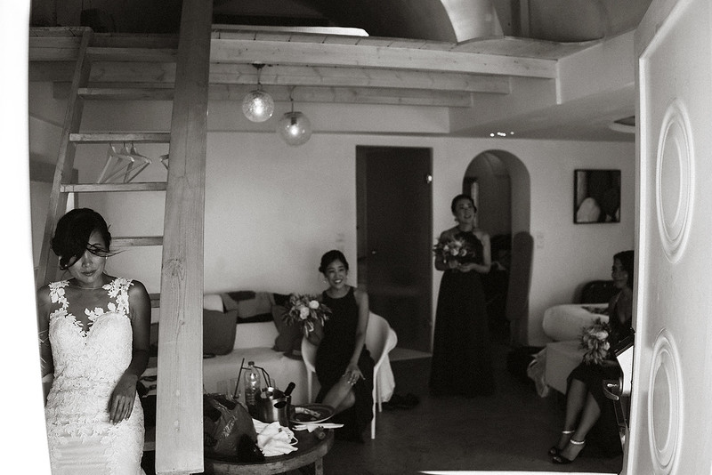Tu-Nguyen-Destination-Wedding-Photographer-Santorini-Rocabella-Hotel-Euna-Ehsan-249.jpg