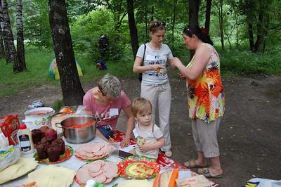 2013-06-16, Picnic of Otkazniki in Troparevo Park