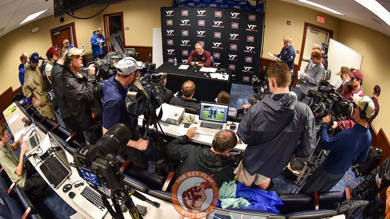 Virginia Tech Hokies head coach Justin Fuente speaks to a crowded photo work room/ visiting press conference room following the game. (Michael Shroyer/ TheKeyPlay.com)
