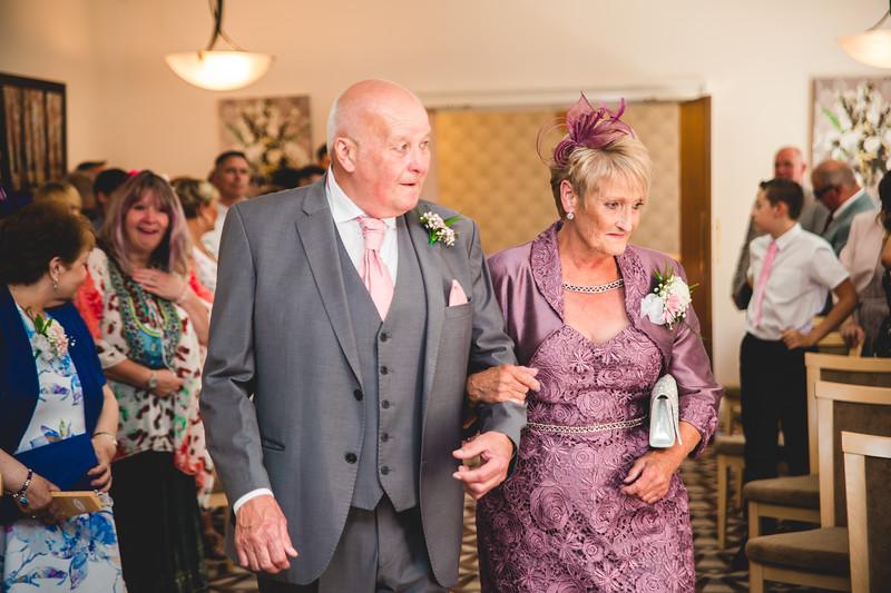 Mr & Mrs Hedges-Gale-34.jpg