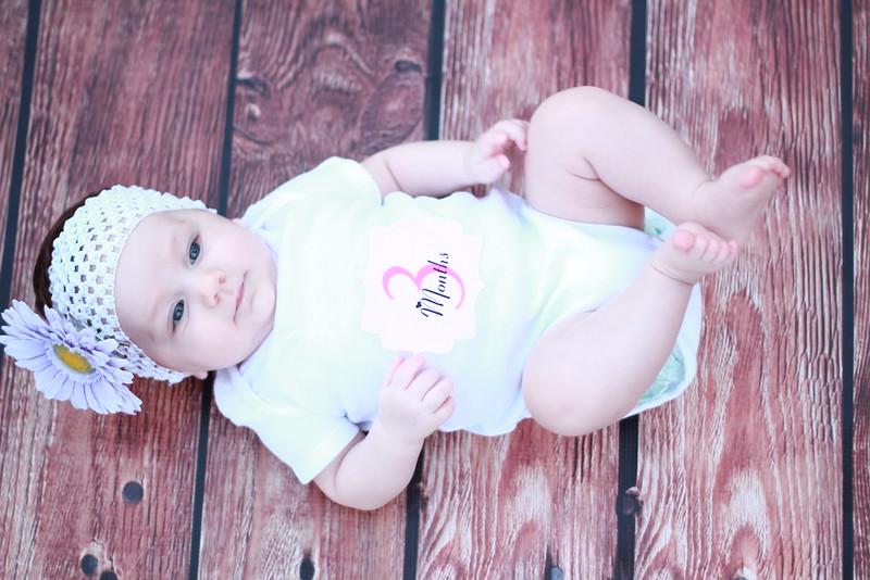 Evie-3 months (137).JPG