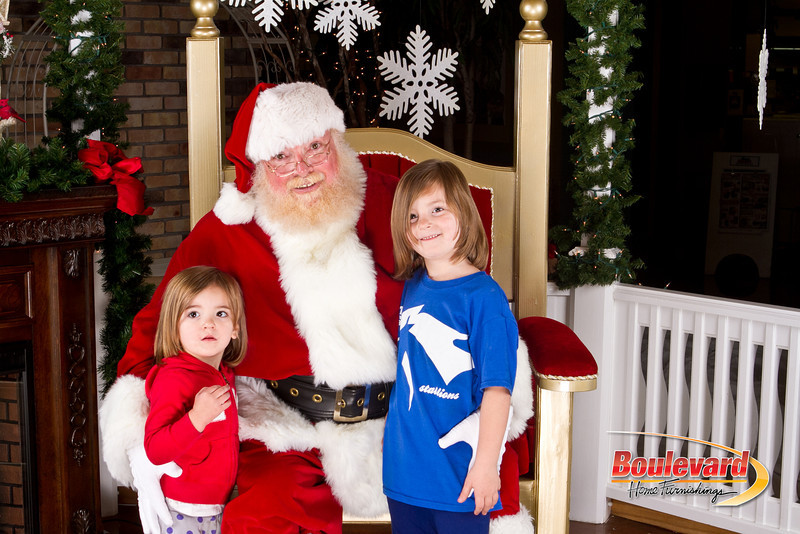 Santa Dec 8-286.jpg