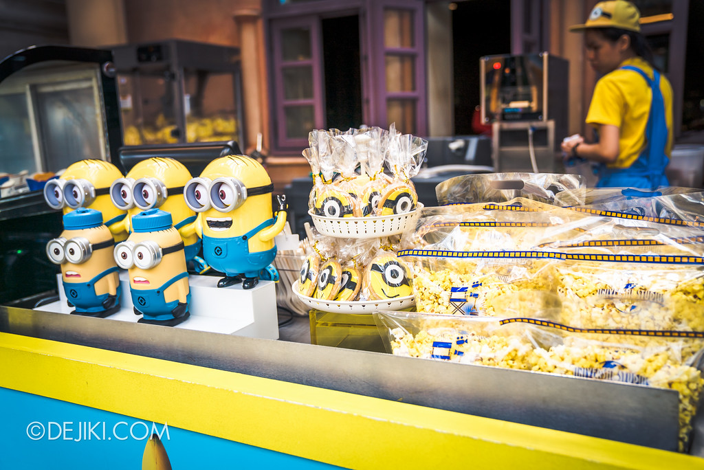 Universal Studios Singapore Park Update July 2017 - Despicable Me Minion Breakout Party event / Pop-a-nana booth