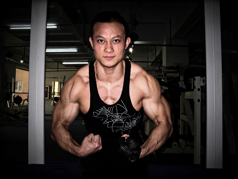 Wang Guo Feng Chinese Body Builder November 2009 in Beijing © Lewis Sandler BeijingVideoStudio
