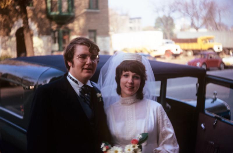 1971-11 Sue & Chuck Broad Wedding.jpg