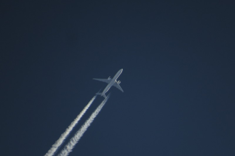 Likely Saudi Arabian Airlines flight 37 from Riyadh to Washington, a Boeing 777-368..JPG
