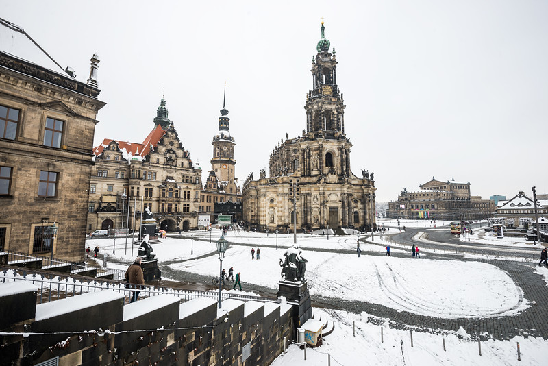 Dresden-Square-no-Snow.jpg