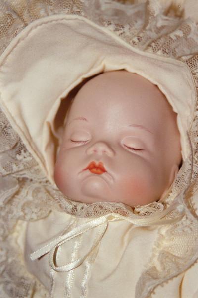 """""""Baby"""" (Was een pop van Swoi, een jaar of dertig oud)"""