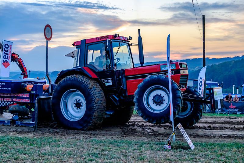 Tractor Pulling 2015-2050.jpg