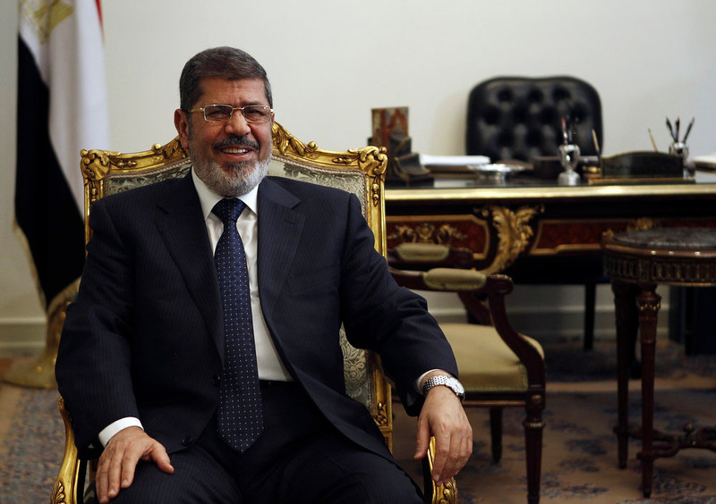 . Egypt\'s President Mohamed Mursi attends a meeting with U.S. Secretary of State John Kerry at the El-Thadiya presidential palace in Cairo March 3, 2013. The United States will give Egypt $190 million to support the government\'s budget, Kerry said on Sunday. REUTERS/Amr Abdallah Dalsh
