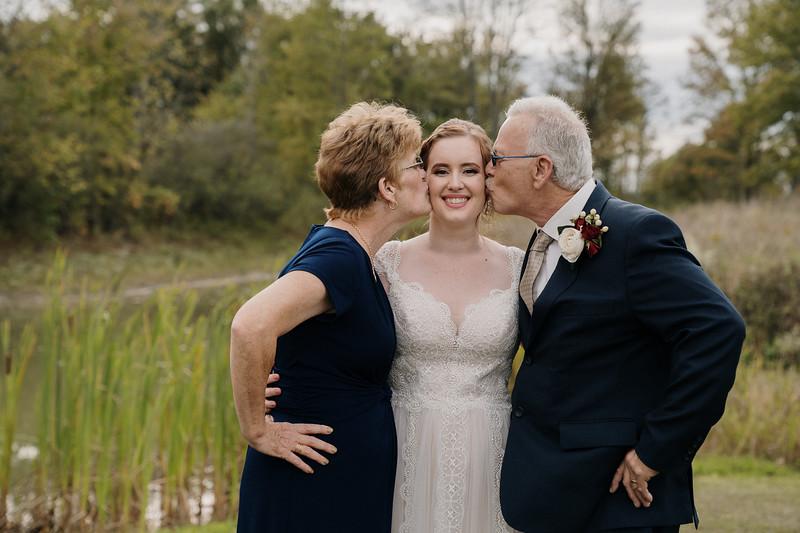 rustic_ohio__fall_barn_wedding-255.jpg