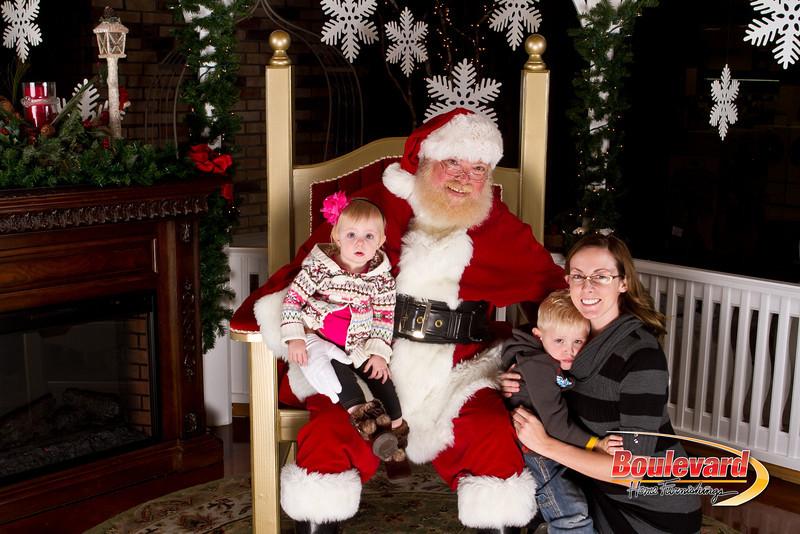 Santa Dec 15-317.jpg