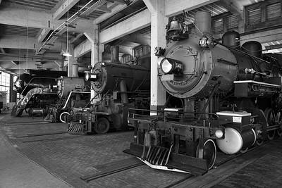 Trains: Leica SL & Leica Vario-Elmarit-SL 24-90mm f/2.8-4 ASPH Lens