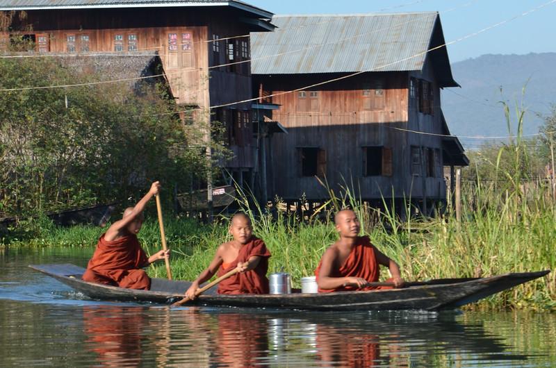 DSC_4315-monk-boys-in-boat.JPG