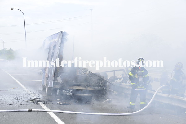 Syosset FD motor home fire on LIE