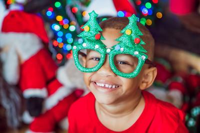 21. Yolayne Jimenez y familia navidad 2019