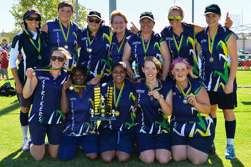 "RIVERLAND SOFTBALL 2014/2015 ""B"" GRADE PREMIERSHIP TEAM, LOXTON B"
