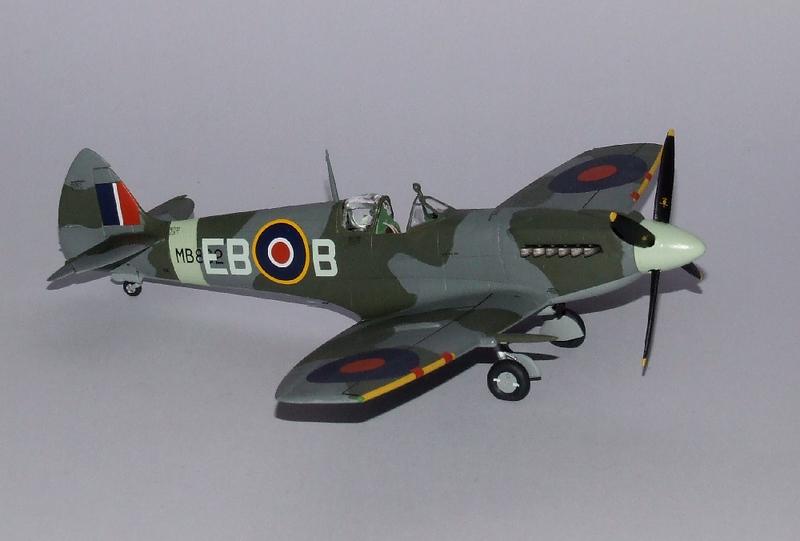 Spirfire Mk.XII, 23s.jpg