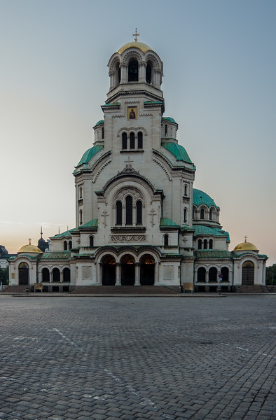 Alexander Nevsky Cathedral with an non-altered red and blue tone curve - Using single color channel Tone Curves - After exploring the RGB Tone Curve, it is now time to examine what we can achieve by using the Red, Green, and Blue Color Channels of the Tone Curves.